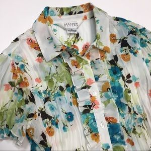 Allison Taylor   Ruffle Front Crinkle Floral Top